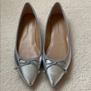 Banana Republic Pointy Toe Ball flats in silver